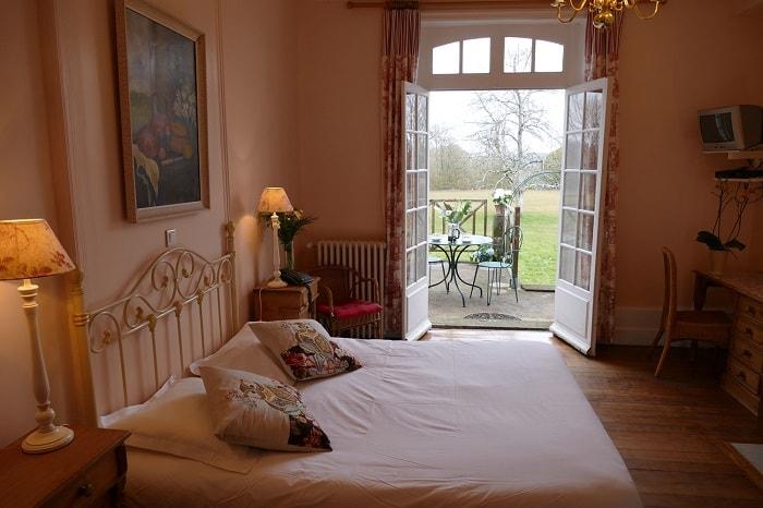 Hotel_Les_Grands_Chenes_Saint_Fargeau_Bourgogne