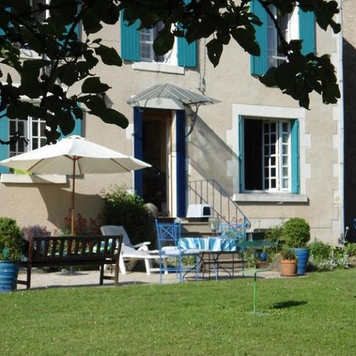 chambres d h 244 tes la maison bleue en bourgogne buissonni 232 re