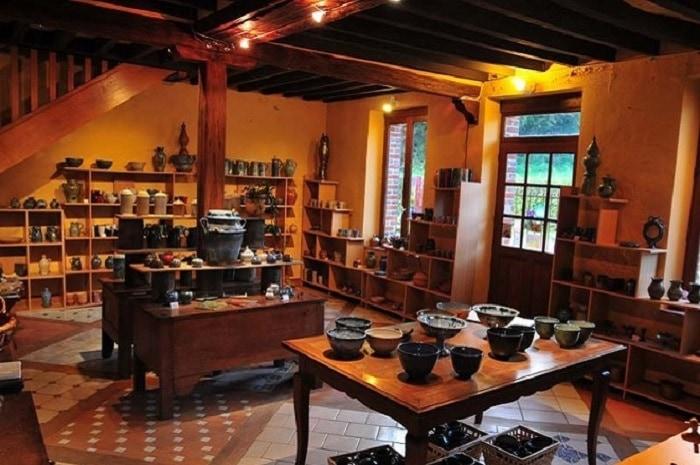 Boutique, Poterie la Bâtisse, Bourgogne Franche-Comté, Moutiers-en-Puisaye, Yonne