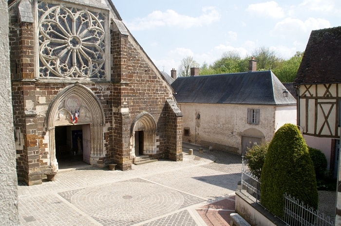 La Maison Jeanne d'Arc Chambres d'hôtes à Saint Fargeau (7)