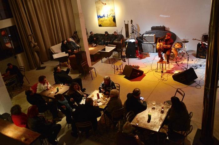 Cafe de la Poeterie a Saint Sauveur en Puisaye (2)