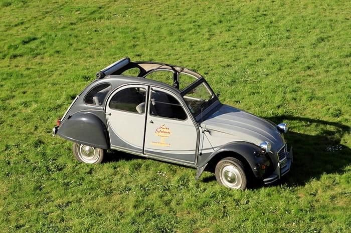 Location_de_2cv_en_Bourgogne_buissonniere