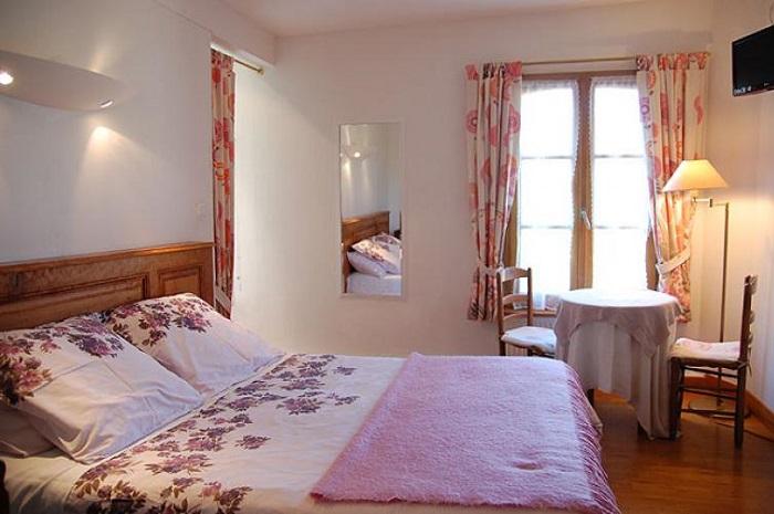 chambre_lin_ferme_des_perriaux_yonne
