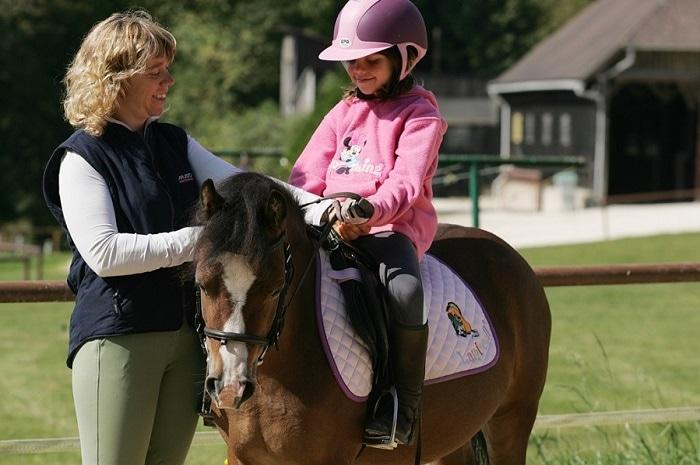 Initiation à l'équitation à la Ferme équestre Les Grilles