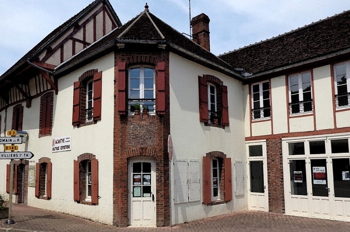 acanthe-bourgogne-franche-comte-la-ferte-loupiere-yonne